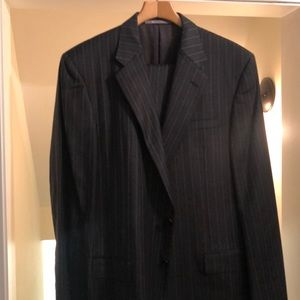 Hickey Freeman suit 44L in Grey pinstripe